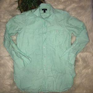 J. Crew Long Sleeve Cotton/Linen Boy Shirt in Mint